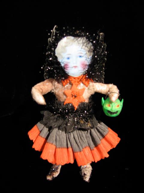 Halloweenspuncottngirl